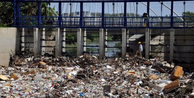 150 tonnes de débris et de déchets après 2 heures de pluie !